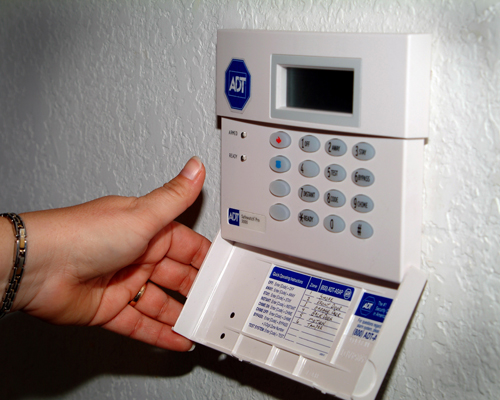 Adt uberwacht home security system